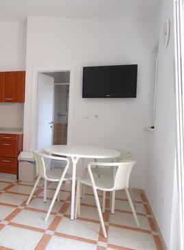 Šimuni, Dining room in the studio-apartment, dopusteni kucni ljubimci i WIFI.
