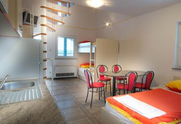 Caska, Dining room in the apartment, air condition available and WiFi.