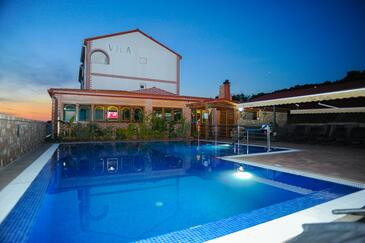 Caska, Pag, Property 3085 - Apartments with pebble beach.