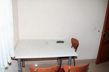Stara Novalja, Столовая в размещении типа apartment, доступный кондиционер и WiFi.