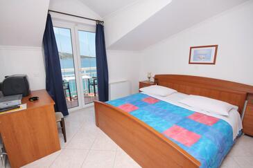 Primošten, Sypialnia w zakwaterowaniu typu room, dostupna klima i WIFI.
