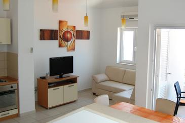 Bilo, Living room in the apartment, air condition available and WiFi.