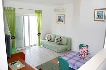 Bilo, Pokój dzienny w zakwaterowaniu typu apartment, dostupna klima i WIFI.