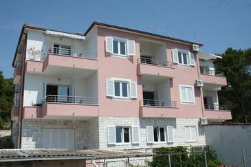 Bilo, Primošten, Hébergement 3090 - Appartement à proximité de la mer avec une plage de galets.