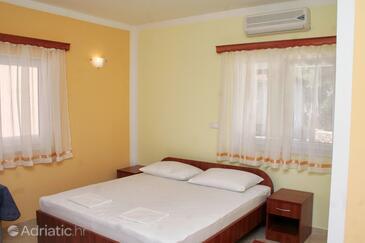 Rogoznica, Спальня в размещении типа room, доступный кондиционер, Домашние животные допускаются и WiFi.