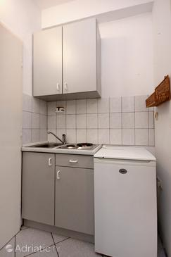 Pag, Kitchen in the studio-apartment, dopusteni kucni ljubimci i WIFI.