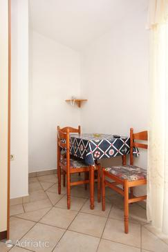 Pag, Dining room in the studio-apartment, (pet friendly) and WiFi.