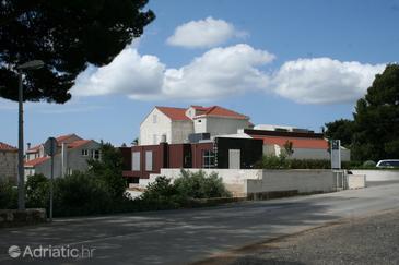Orebić, Pelješac, Hébergement 3160 - Chambres à proximité de la mer avec une plage de galets.