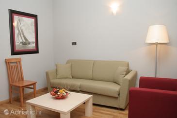 Orebić, Obývacia izba v ubytovacej jednotke room.