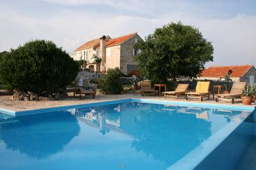 Humac, Hvar, Property 3170 - Vacation Rentals with pebble beach.