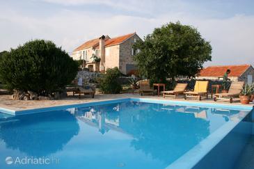 Humac, Hvar, Property 3170 - Vacation Rentals with pebble beach.