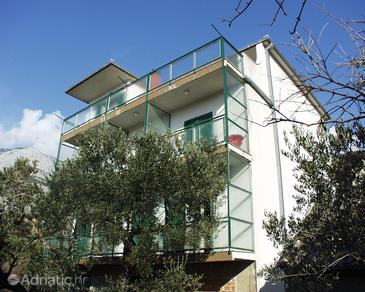 Tučepi, Makarska, Property 318 - Apartments near sea with pebble beach.