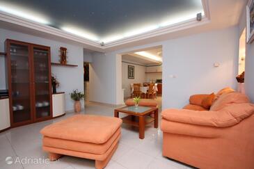 Slano, Гостиная в размещении типа apartment, доступный кондиционер, Домашние животные допускаются и WiFi.