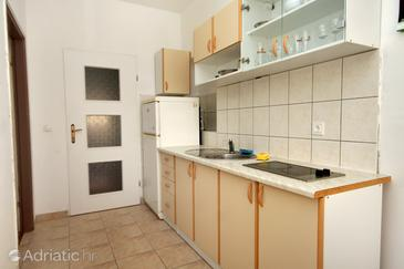 Mrljane, Kitchen in the apartment, (pet friendly) and WiFi.