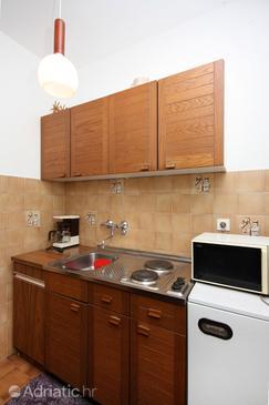 Barbat, Kuchyně v ubytování typu studio-apartment, domácí mazlíčci povoleni a WiFi.