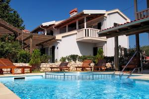 Family friendly apartments with a swimming pool Palit, Rab - 3212