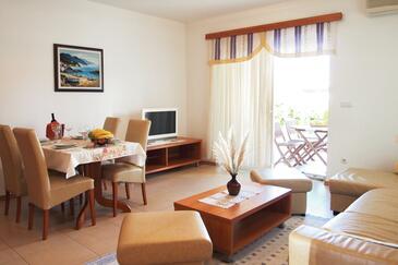 Kampor, Obývací pokoj v ubytování typu apartment, s klimatizací a WiFi.