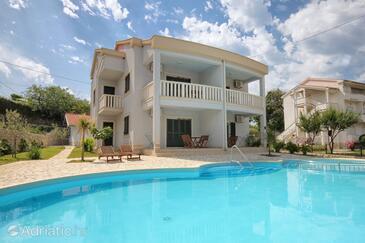 Kampor, Rab, Obiekt 3214 - Apartamenty przy morzu.