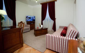Tisno, Living room in the room, air condition available and WiFi.