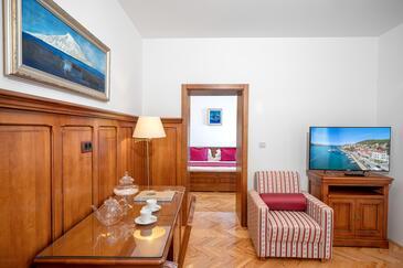 Tisno, Obývací pokoj v ubytování typu room, s klimatizací a WiFi.