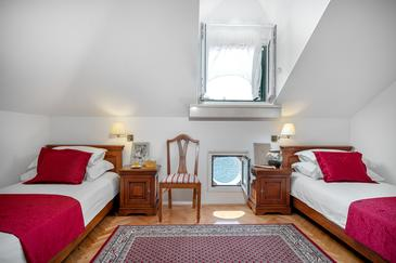 Tisno, Sypialnia w zakwaterowaniu typu room, Dostępna klimatyzacja i WiFi.