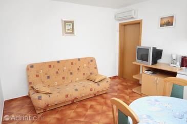 Linardići, Living room in the apartment, dostupna klima i WIFI.