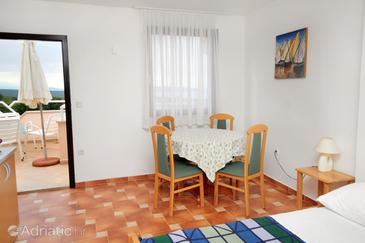 Linardići, Dining room in the studio-apartment, WIFI.