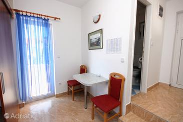 Hvar, Dining room in the apartment, dopusteni kucni ljubimci i WIFI.