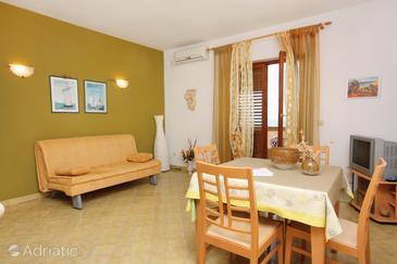 Postira, Dining room in the apartment, dostupna klima, dopusteni kucni ljubimci i WIFI.