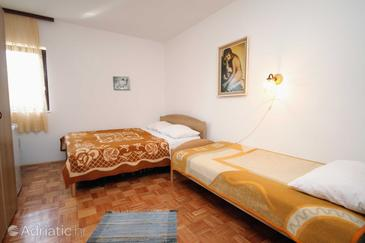 Krk, Dormitor în unitate de cazare tip room, WiFi.