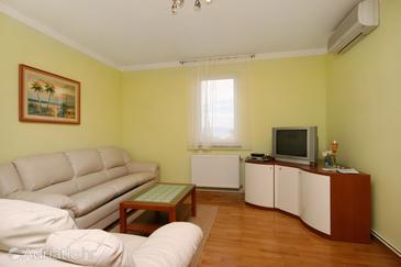 Malinska, Living room in the apartment, dostupna klima i WIFI.