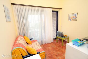 Jadranovo, Obývací pokoj v ubytování typu apartment, WiFi.