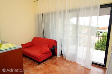 Jadranovo, Obývacia izba v ubytovacej jednotke studio-apartment, WiFi.