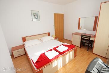 Vinjerac, Ložnice v ubytování typu room, s klimatizací, domácí mazlíčci povoleni a WiFi.