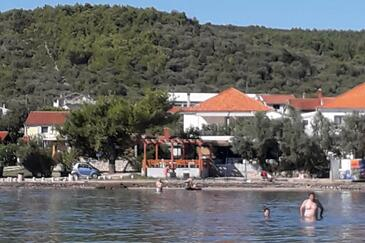 Neviđane, Pašman, Property 325 - Apartments near sea with sandy beach.