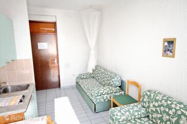Rtina - Miletići, Living room in the apartment, dostupna klima, dopusteni kucni ljubimci i WIFI.