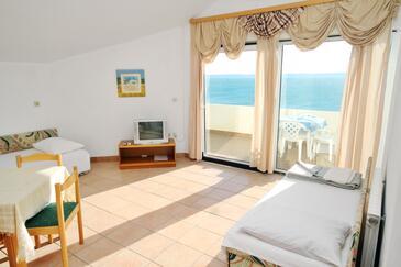 Rtina - Miletići, Living room in the apartment, dostupna klima i WIFI.