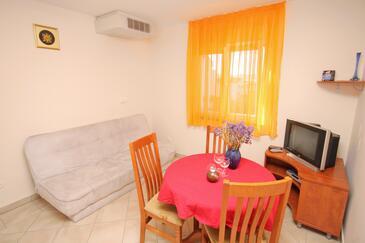 Zadar - Diklo, Jadalnia w zakwaterowaniu typu apartment, dostupna klima.