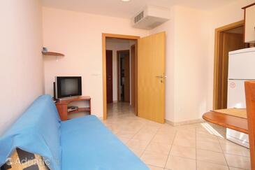 Zadar - Diklo, Living room in the apartment, dostupna klima.