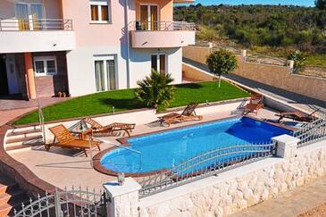 Zadar - Diklo, Zadar, Obiekt 3258 - Apartamenty ze żwirową plażą.