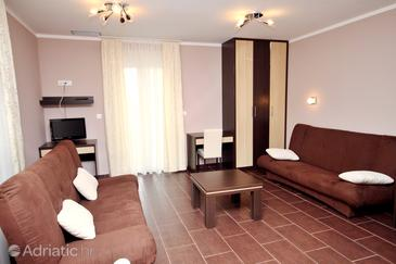 Zaton, Living room in the studio-apartment, dostupna klima.