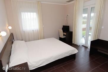 Zaton, Bedroom in the room, dostupna klima.