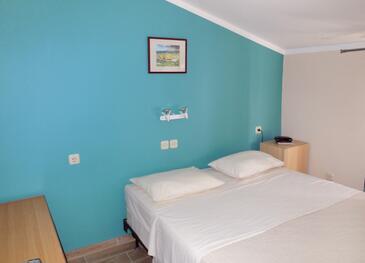 Petrčane, Bedroom in the room, dostupna klima, dopusteni kucni ljubimci i WIFI.