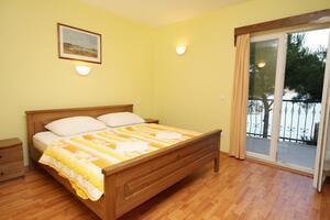 Apartmani uz more Rogoznica - 3265