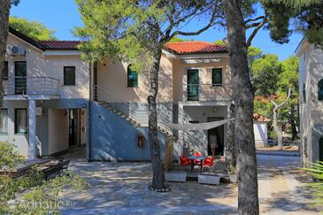 Rogoznica, Rogoznica, Property 3266 - Apartments and Rooms near sea with pebble beach.