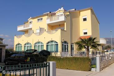 Kaštel Štafilić, Kaštela, Property 3269 - Rooms with pebble beach.