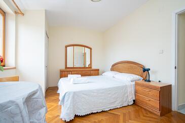 Mrljane, Bedroom in the room.