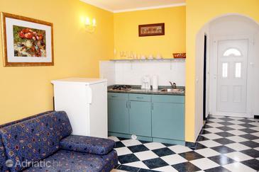Petrčane, Kitchen in the studio-apartment, dopusteni kucni ljubimci i WIFI.