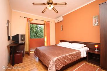 Biograd na Moru, Bedroom 1 in the room, dostupna klima, dopusteni kucni ljubimci i WIFI.