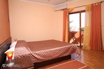 Biograd na Moru, Bedroom in the room, dostupna klima, dopusteni kucni ljubimci i WIFI.